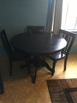 """Round table 4chairs  great condition. 49"""". Round in Conroe, Texas"""