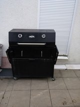 BBQ Charcoal Grill with 3 burners in Stuttgart, GE