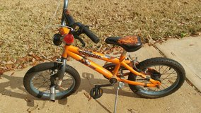 kids bike 16 in with kickstand and pegs in Kingwood, Texas