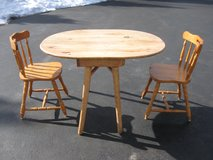 Table and 2 Chairs in Joliet, Illinois
