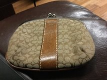 Coach change purse , great condition in Camp Lejeune, North Carolina