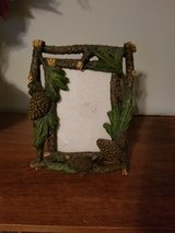 pine cone picture frame 4x6 in Fort Campbell, Kentucky