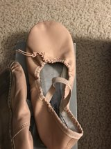 American Ballet Theater Pink/Rose Girls Size 4 Ballet Shoes in Aurora, Illinois