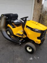 2017 cubcadet XT1. 18hp Kohler Engine.  7 hours only in Joliet, Illinois