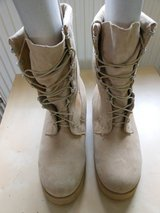 NEW INSULATED TAN BOOTS in Ramstein, Germany