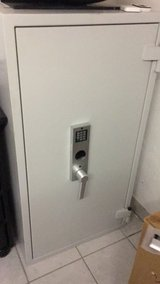 1200 lb High Security Safe - Fire Tested and Top Rated C2 Security Anti-Theft in Wiesbaden, GE