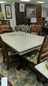 table w/4 chairs in Fort Campbell, Kentucky