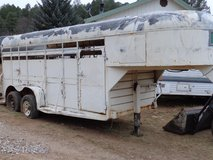 4 Horse stock trailer in Alamogordo, New Mexico