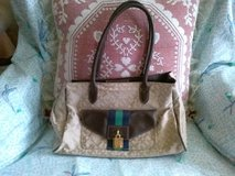 Barely Used Tommy Hilfiger Purse in Ottumwa, Iowa