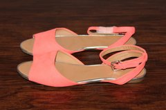 NEW Forever 21 Neon Coral Sandals in Fort Leonard Wood, Missouri