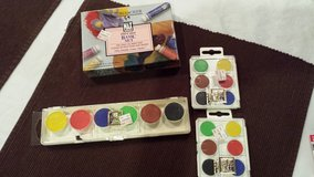 Canvas & Paints in Fort Campbell, Kentucky