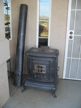 ===  Cast Iron Stove  === in Yucca Valley, California