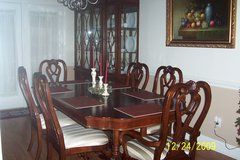 Beautiful Dining Room Table & 6 Chairs with China Cabinet in Warner Robins, Georgia