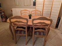 Ethan Allen Table and 6 chairs in Lake Elsinore, California