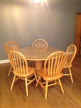 kitchen table and 5 chairs in Naperville, Illinois