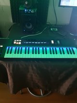 Native Instruments S49 MK1 49 Key Midi Keyboard w/ Komplete Kontrol Software in Ramstein, Germany