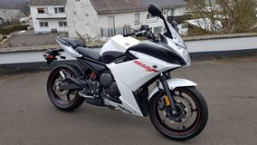 "2013 Yamaha FZ6R ""LIKE NEW"" Only 600 mls. !!!!! in Baumholder, GE"