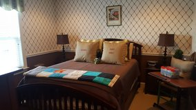 Queen bedroom set in Quantico, Virginia