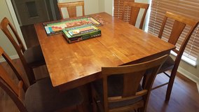 table and 6 chairs for sale in Spring, Texas