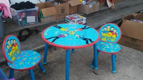 Table chairs the wiggles in Conroe, Texas