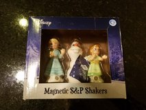 Westland Disney Frozen Salt and Pepper Shaker Set NEW in Sandwich, Illinois