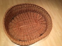 LARGE DOG BED BASKET in Ramstein, Germany
