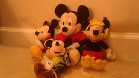 4 Micky Mouse dolls in Camp Lejeune, North Carolina