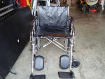Everest & Jennings Paramount heavy duty wheelchair in Fort Campbell, Kentucky