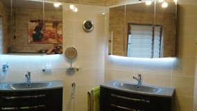 Two designer bathing blocks, 2 sinks with 2 mirrored cabinets in Baumholder, GE
