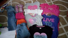Girls sz 6 in Fort Drum, New York