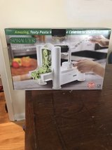 5 blade spiralizer ( never been open, brand new) in Sugar Grove, Illinois