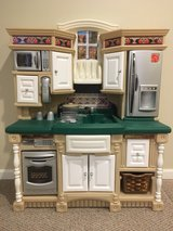 Step 2 play kitchen in Orland Park, Illinois