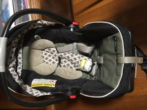 Graco baby car seat in Okinawa, Japan