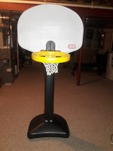 LITTLE TIKES ADJUSTABLE BBALL HOOP in Yorkville, Illinois