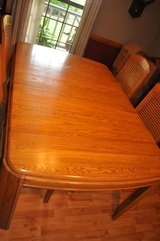 Keller Contemporary Dining Room Table and 4 Chairs in Warner Robins, Georgia