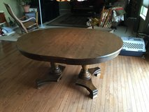 """48"""" round table w/ four 11"""" leaves. in Yorkville, Illinois"""