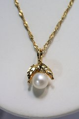 "Beautiful 14K Gold Diamond & 6.8mm Pearl Pendant,18"" Chain Necklace 5.792 Grams in Camp Lejeune, North Carolina"