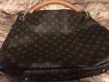 Louis Vuitton Artsy MM in Spring, Texas