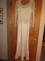 Mother of the Bride Dress~Size 6 in Sandwich, Illinois