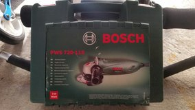 Bosch angle grinder 220v almost like new? in Ramstein, Germany
