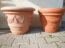 CERAMIC AND PLASTIC POTS in Ramstein, Germany