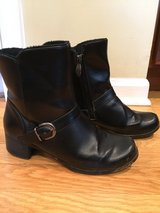 Womens Boots size 6.5 in Chicago, Illinois