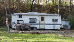 Camper trailer in St. Charles, Illinois