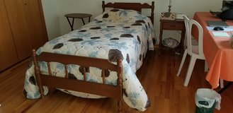 Bed Room Set in Elgin, Illinois