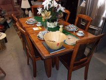 Wood Table With Leaf and Six Chairs Set in Fort Riley, Kansas