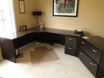L shaped desk in Plainfield, Illinois