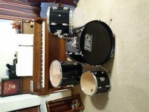 Wooden Shell Drum Set / Kit with black wrap in Chicago, Illinois