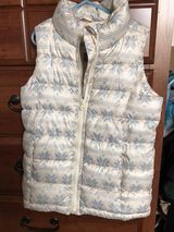 Old Navy snowflake winter vest, size 8 in Oswego, Illinois