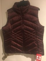 VEST WOMENS W/TAGS in Naperville, Illinois