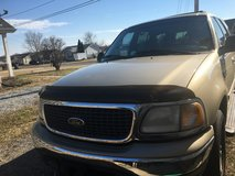 2001 Ford Expedition in Fort Campbell, Kentucky